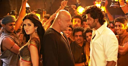 Agneepath review : A sure winner. **** 1/2