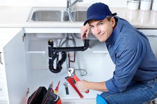 Limpieza y desatasco de fregaderos, bañeras, cañerías, wc,...