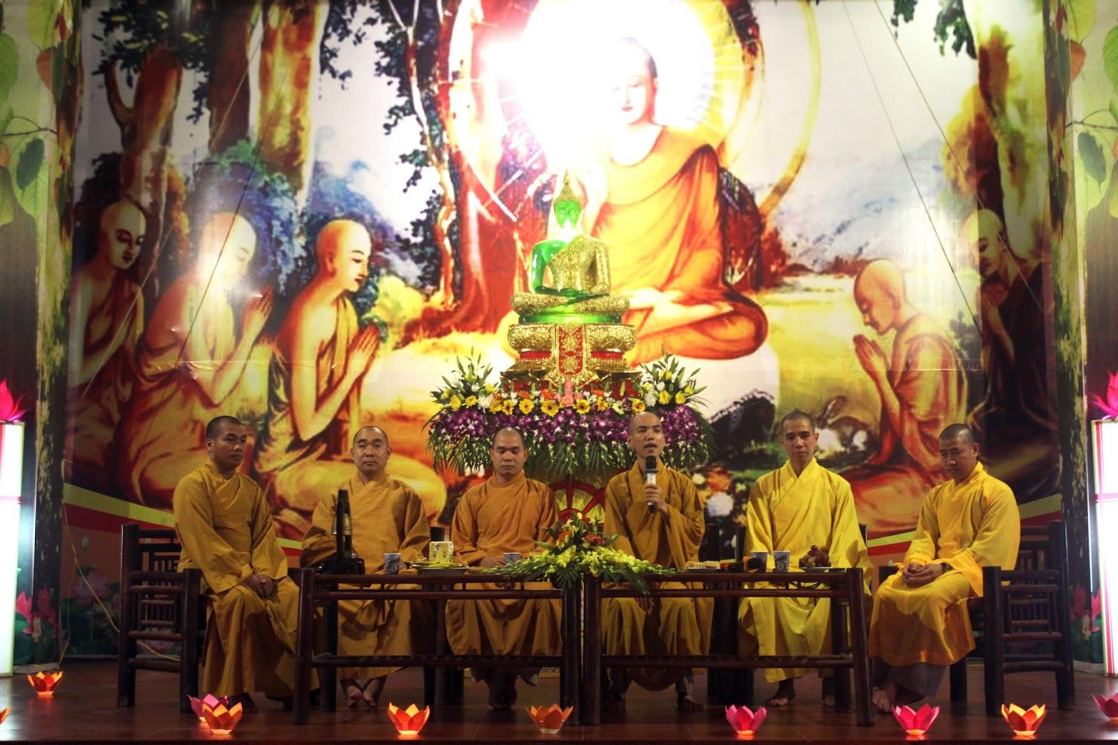 Mở đầu cho buổi thiền trà, thầy Trí Không có chia sẻ : \u201cTrung thu không phải là một ngày lễ của Phật giáo nhưng ngoài ra, đây còn được gọi là ...