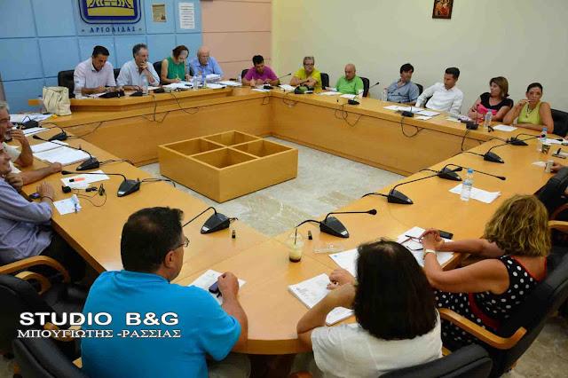 Δημοτικό Συμβούλιο στο Ναύπλιο με 15 θέματα