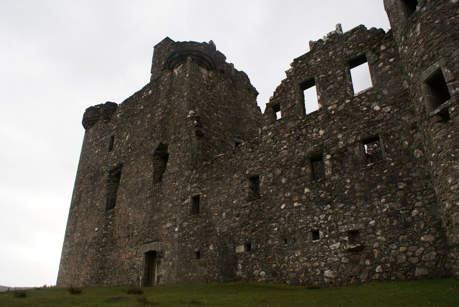 kilchurn castle loch awe highlands scotland uk great britain camomille blend