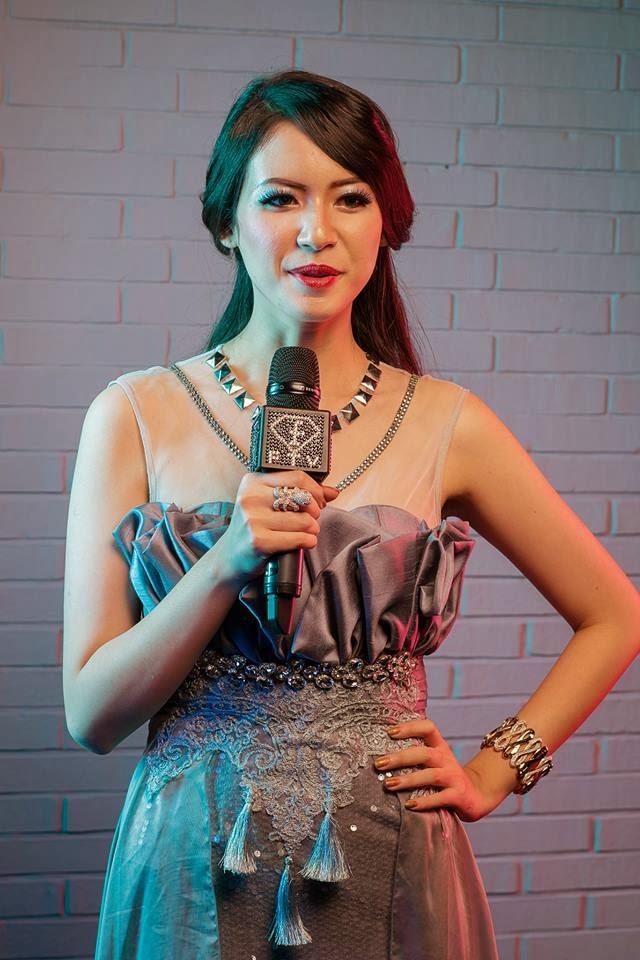 Elvira Devinamira Wirayant - Miss Universe Indonesia 2014 ...