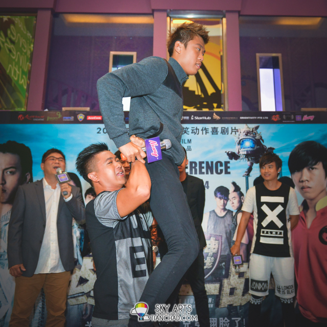 Maxi Lim and WeiLiang demonstrated how they work together for the lion dance scene