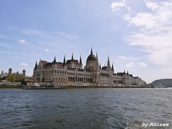 Legenda-Cruises-Budapest-review