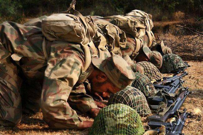 Pak Army Soilder Praying - Natural Wallpapers