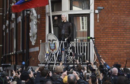 Senado de EE.UU. llama a Julian Assange a testificar