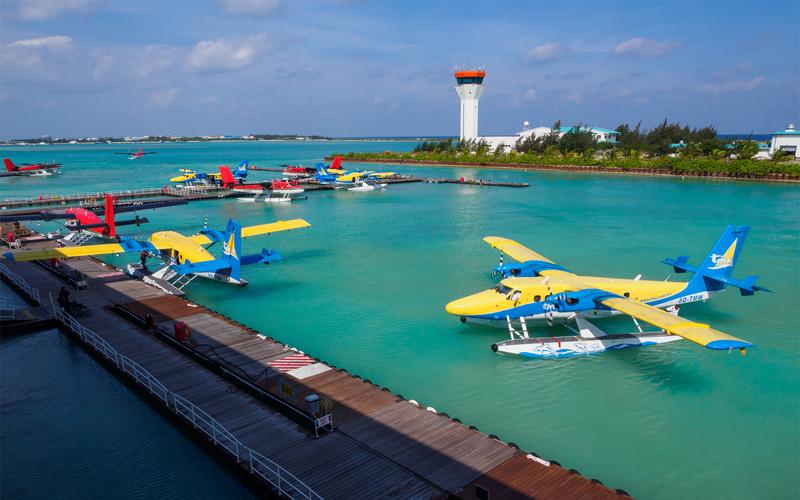 Bãi đỗ thủy phi cơ đưa du khách ngắm vịnh Hạ Long