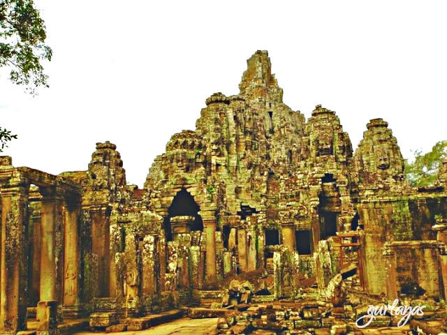 other side of Bayon temple by gurlayas.blogspot.com