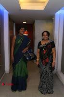 Kollywood Celebrities Pos at Inayathalam Premiere Show .COM 0011.jpg