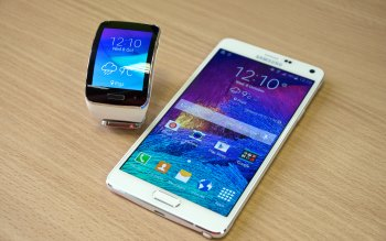 Wallpaper: Samsung Gear S and Samsung Galaxy Note 4
