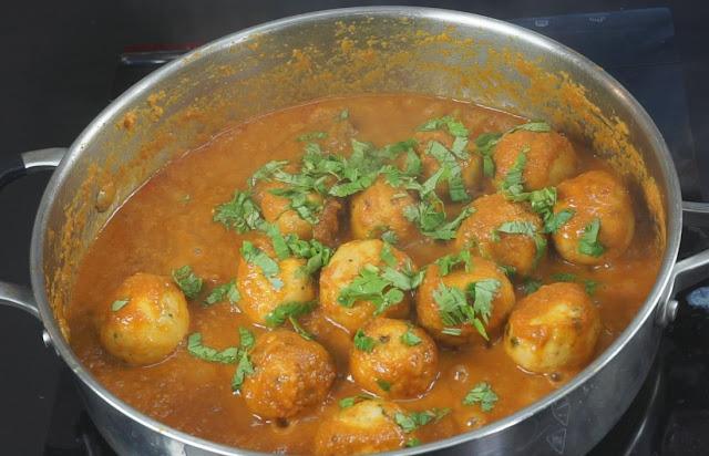 Chicken-Kola-Urundai-Kulambu