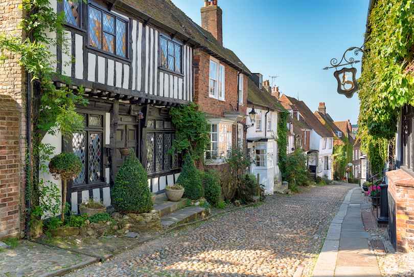 The most charming small towns in england most beautiful for Charming hotels of the world