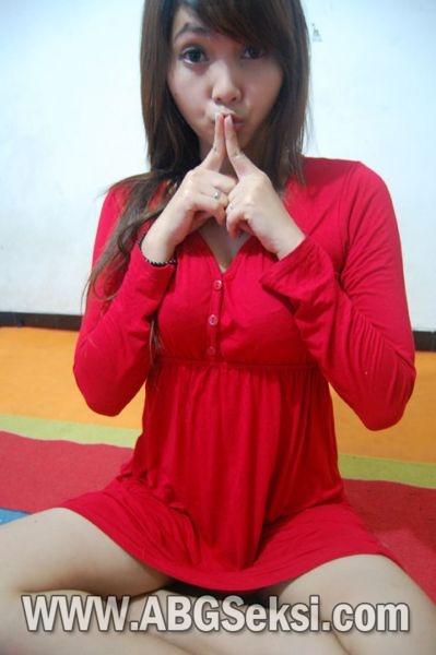 Gadis Imut Mandi