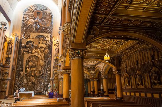 Capilla del sagrado corazon de Notre Dame en Montreal. Canada
