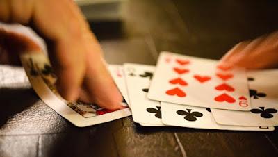 Strategi Psikologi Dalam Permainan Judi Poker Online
