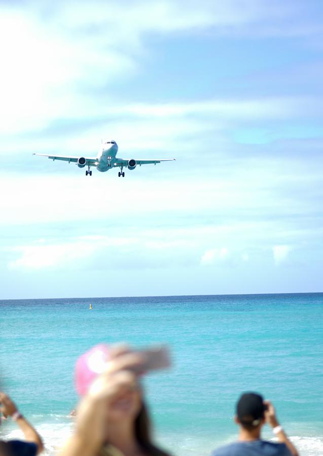 Airport Beach St. Martin Island Beach Goers