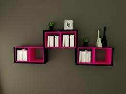 Hermosos libreros o estantes.