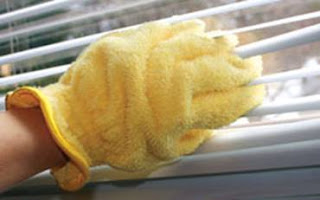 e-cloth®'s High Performance Dusting & Cleaning Glove 2