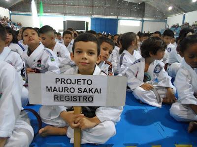 Escolinha Mauro Sakai classifica 16 alunos para a fase inter-regional do Paulista de Judô