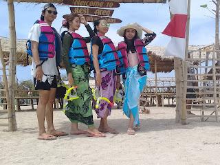http://wisatagiliketapang.blogspot.co.id/2017/08/biaya-ke-gili-ketapang.html