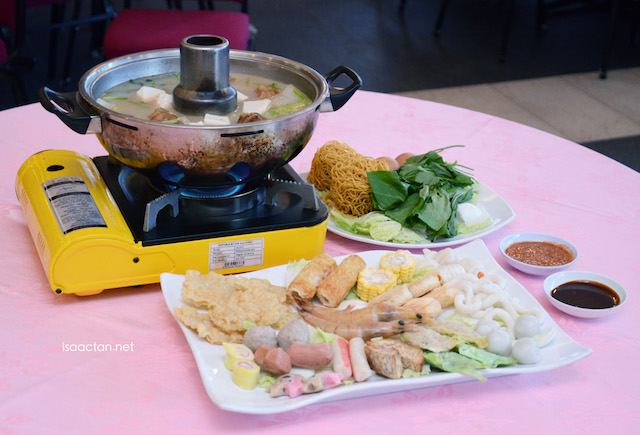 Go for their Gao Feng Steamboat Set too, great to complement the Grouper Fish Head