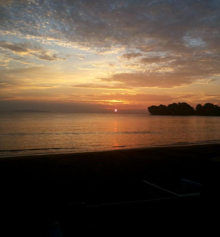 ++ sunrise di pantai batu karas