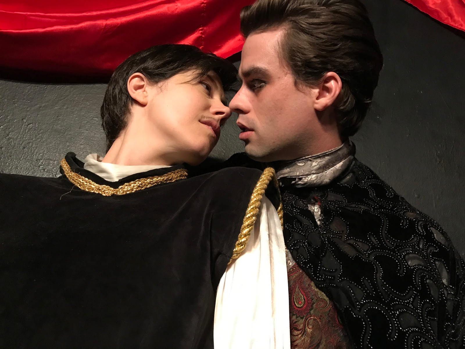review twelfth night If music be the food of love, get ready to lick your lips: christopher luscombe's rsc production of shakespeare's melancholy comedy sounds — and looks — su.