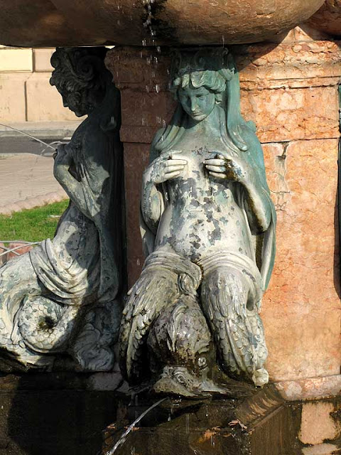 Neptune and the Nereids fountain, Livorno