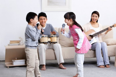 [Hình: chua-benh-bang-hat-karaoke-voi-micro-khong-day-1.jpg]
