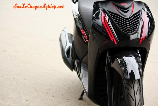 Honda Sh 2012 sơn đen bóng, phong cách Ferrari Carbonado