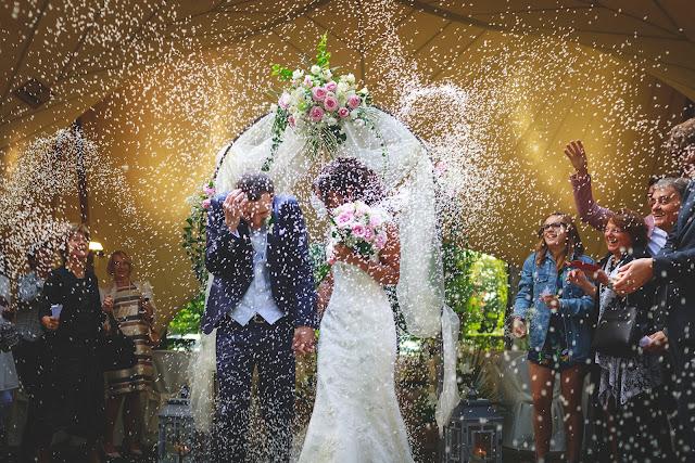Lancio del riso matrimonio civile