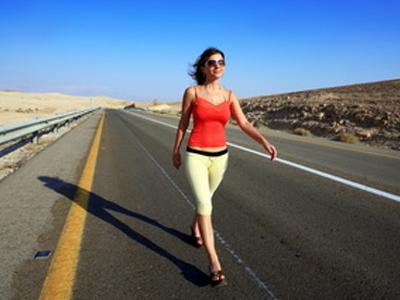 Jalan Kaki Turunkan Risiko Stroke pada Perempuan Jalan Kaki Turunkan Risiko Stroke pada Perempuan
