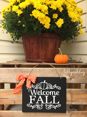Decorating with Chalkboards Welcome Fall