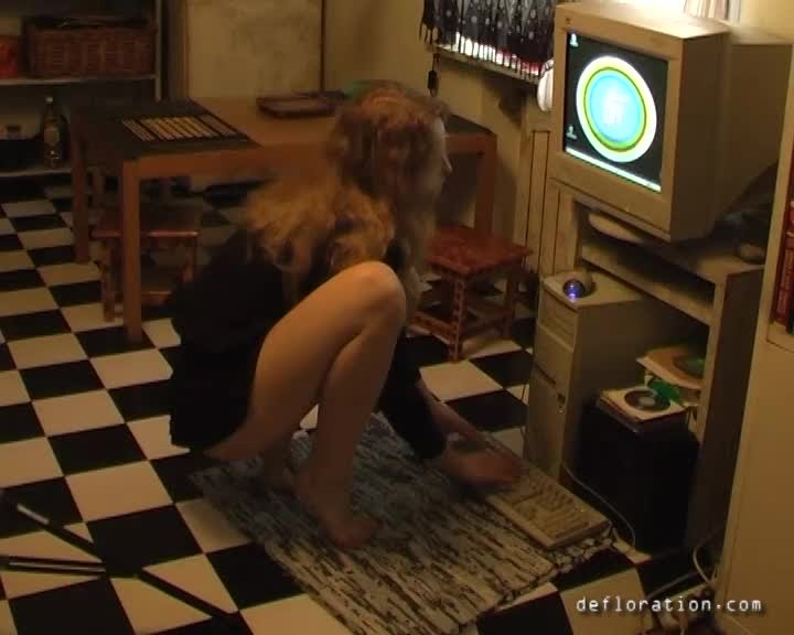 def.14.06.27.emilie.ravin.2.mp4.1 Defloration virgin Fuck first time-def.14.06.27.emilie.ravin.2.mp4
