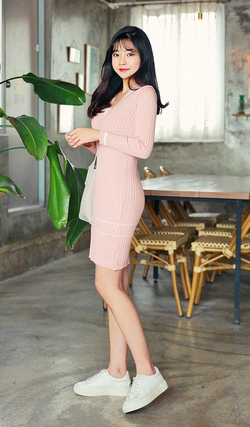 Striped V-Neck Ribbed Slim Fit Dress