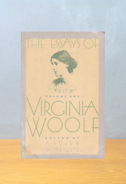 THE ESSAYS OF VIRGINIA WOOLF, Andrew McNeillie