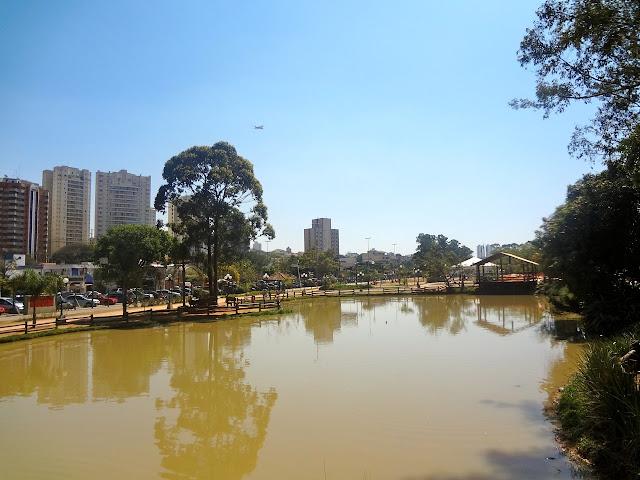 Lago do Bosque Maia em Guarulhos
