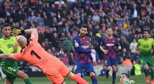 ميسي يقود برشلونة للتحقيق فوز كاسح على ايبار بخماسية وصدارة الدوري الاسباني