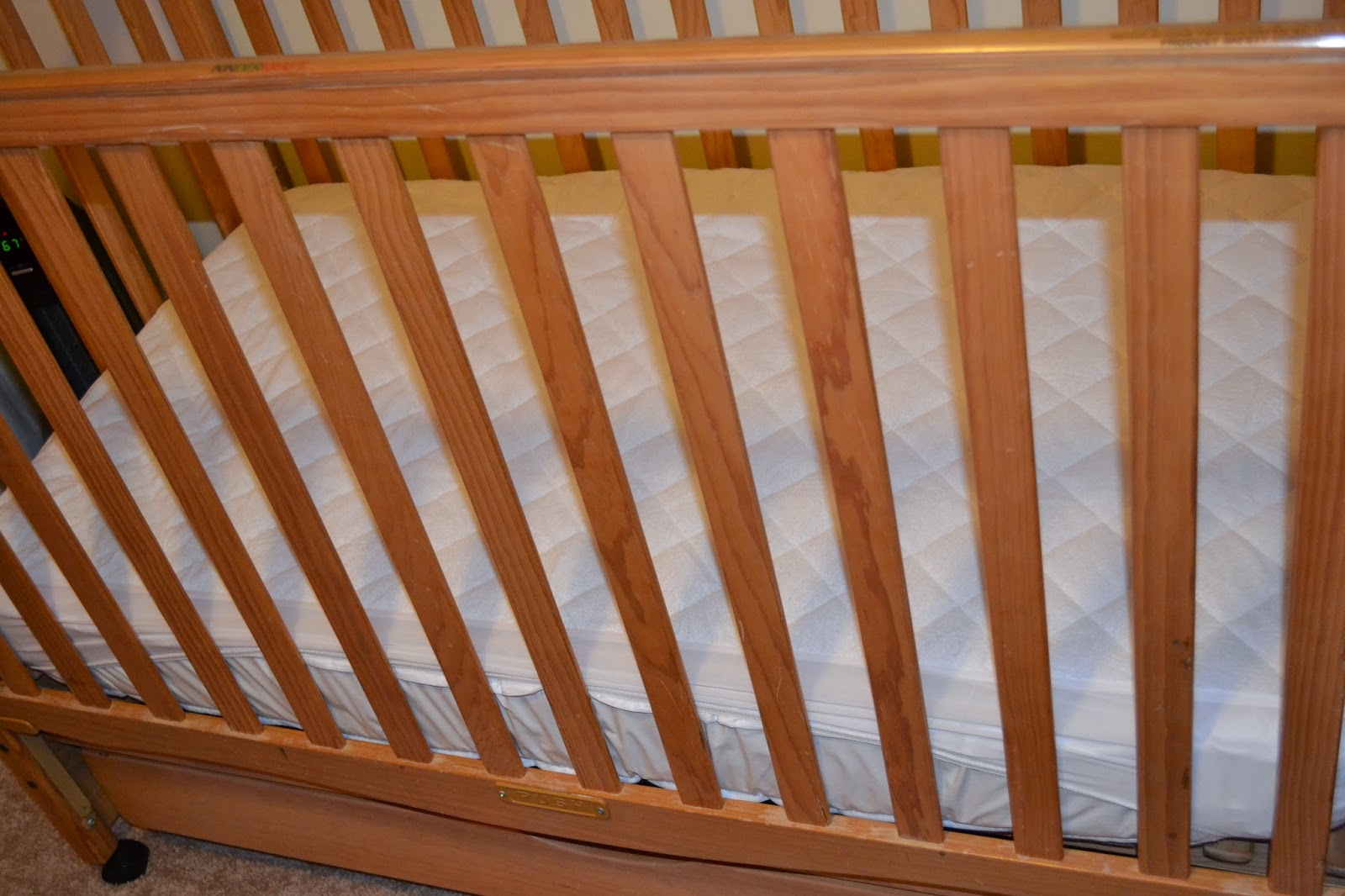 Universal Comfy Co Crib Mattress Protector Pad Review