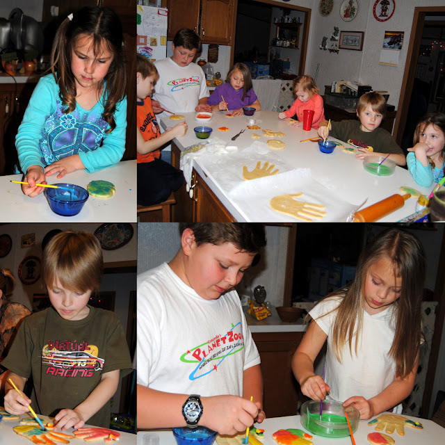 Thanksgiving Memories {and a fun turkey craft!}
