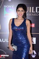 ishita Raj Sharma in Red Gown Stunning Beauty at success party of film sonu ke u ki sweety 012.JPG