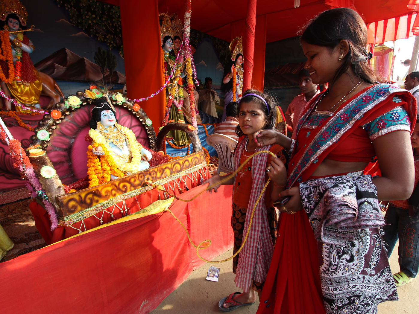 The gallery for --> Kumbh Mela Women Changing