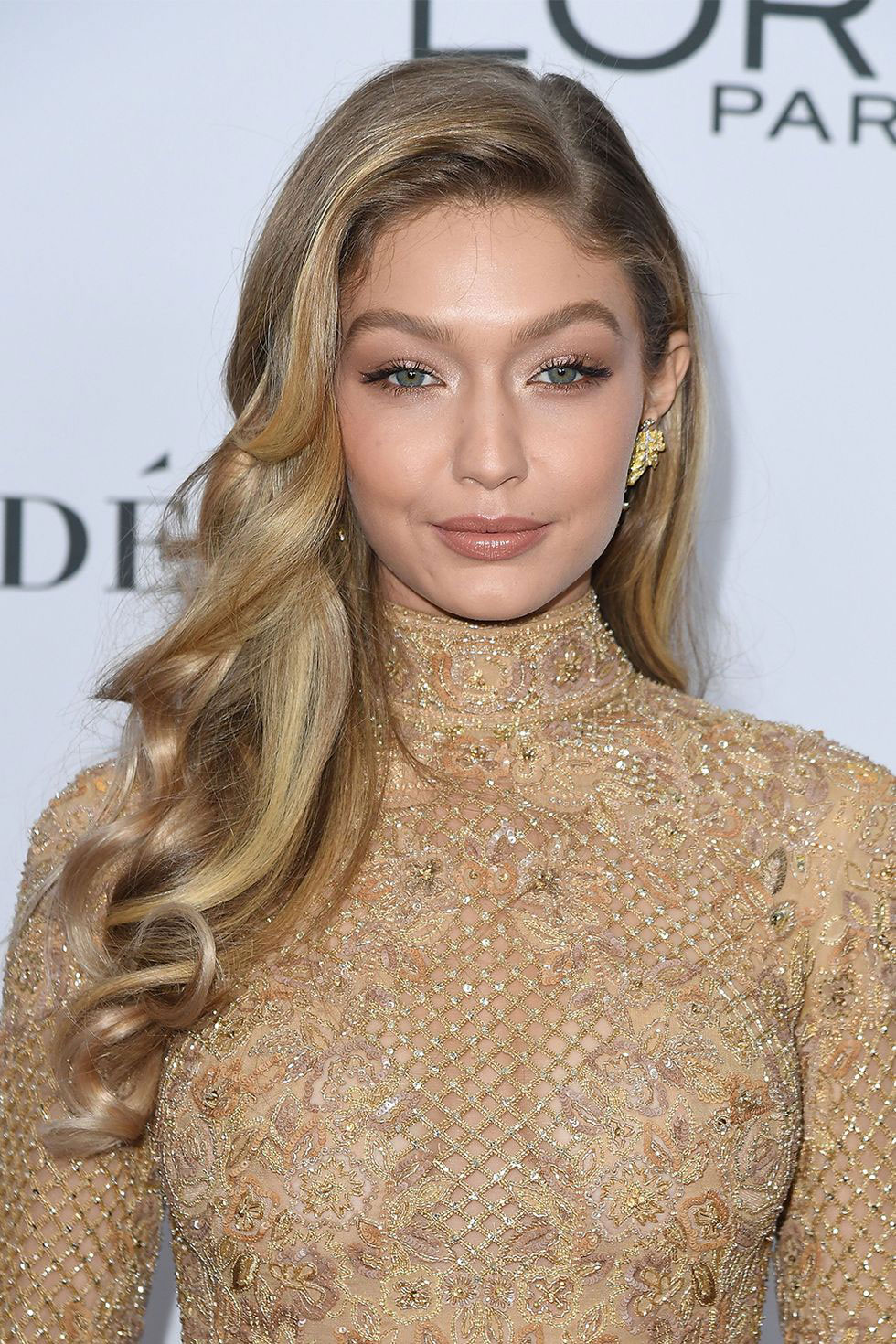 Gigi Hadid S Waterfall Curls