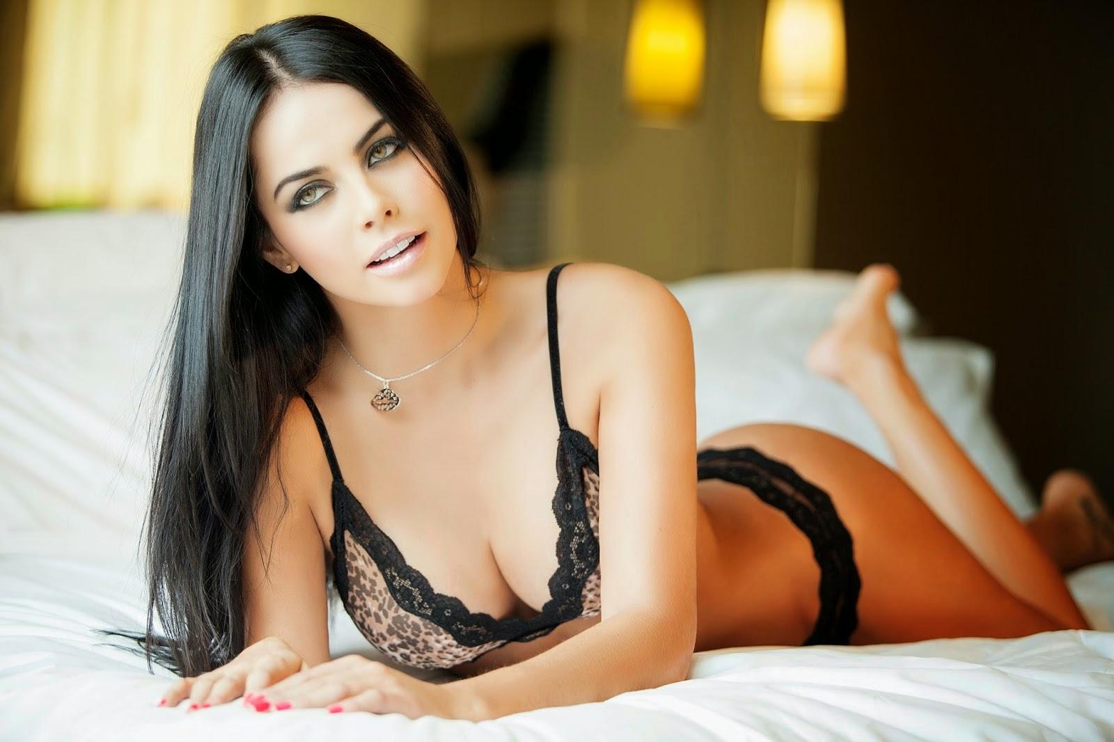 Michelle Sarmiento - Galeria 3 Foto 1