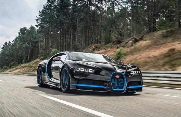 Bugatti Chiron filmó al Bugatti Chiron