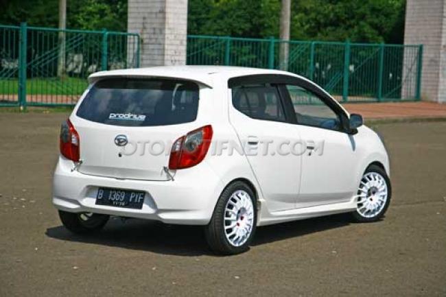 Modifikasi Mobil Ayla M Sporty