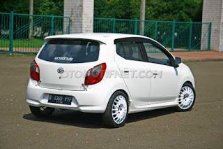 Modifikasi Mobil Ayla Ceper Terbaru Warna Putih