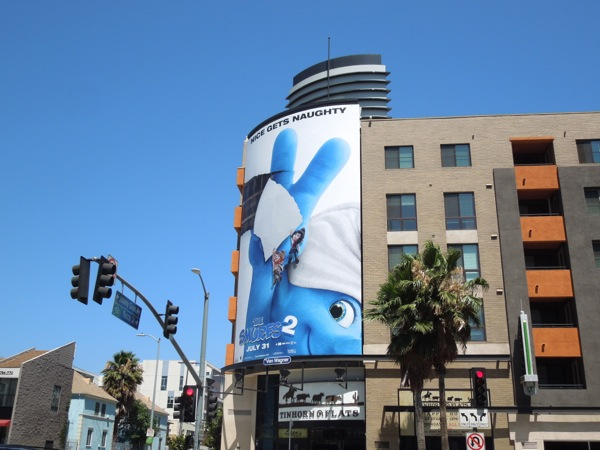 Smurfs 2 film billboard