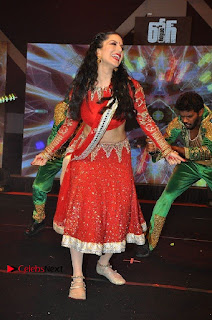 Bollywood Actress Model Sunny Leone Dance Performance in Red Half Saree at Rogue Audio Launch 13 March 2017  0116.jpg
