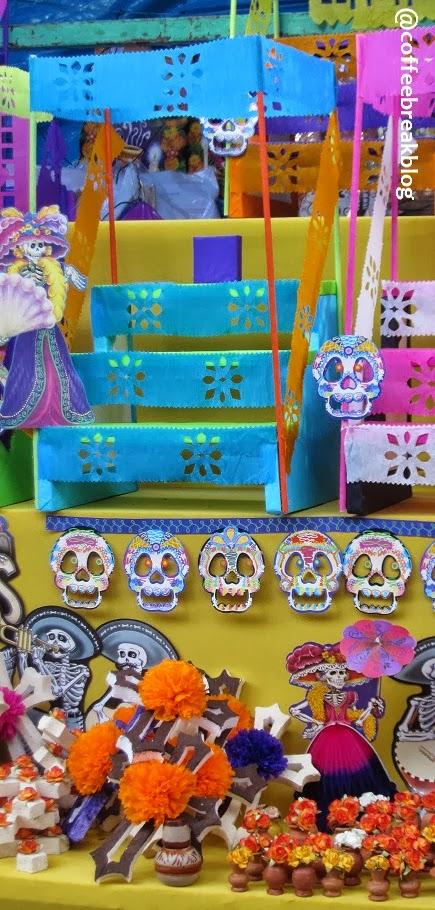 Mercadito de los Muertos - mini altare